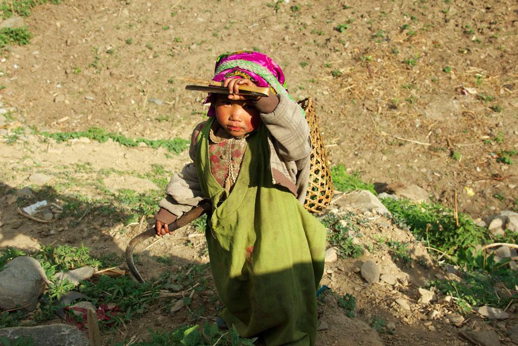 bambina-nepal