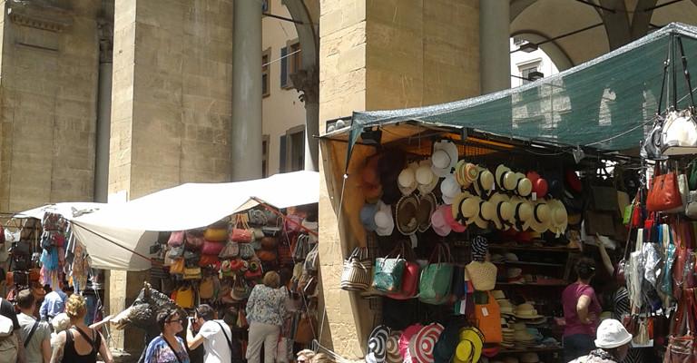 Loggia con cappelli - fi