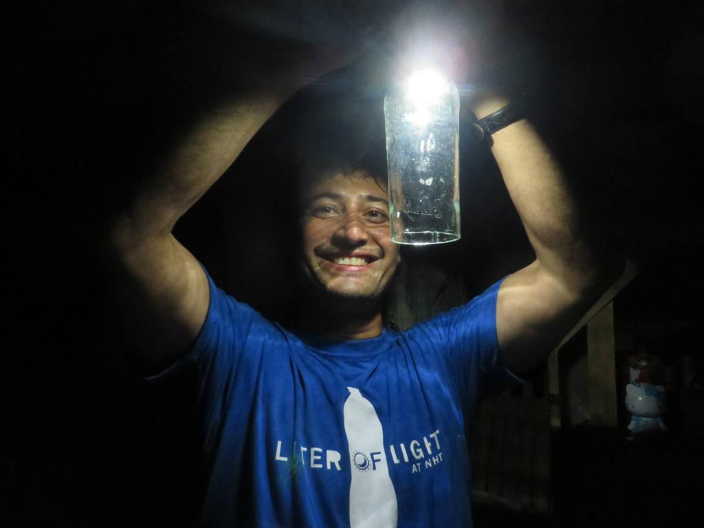Illuminazione con bottiglie di plastica bottiglie di vetro ottime