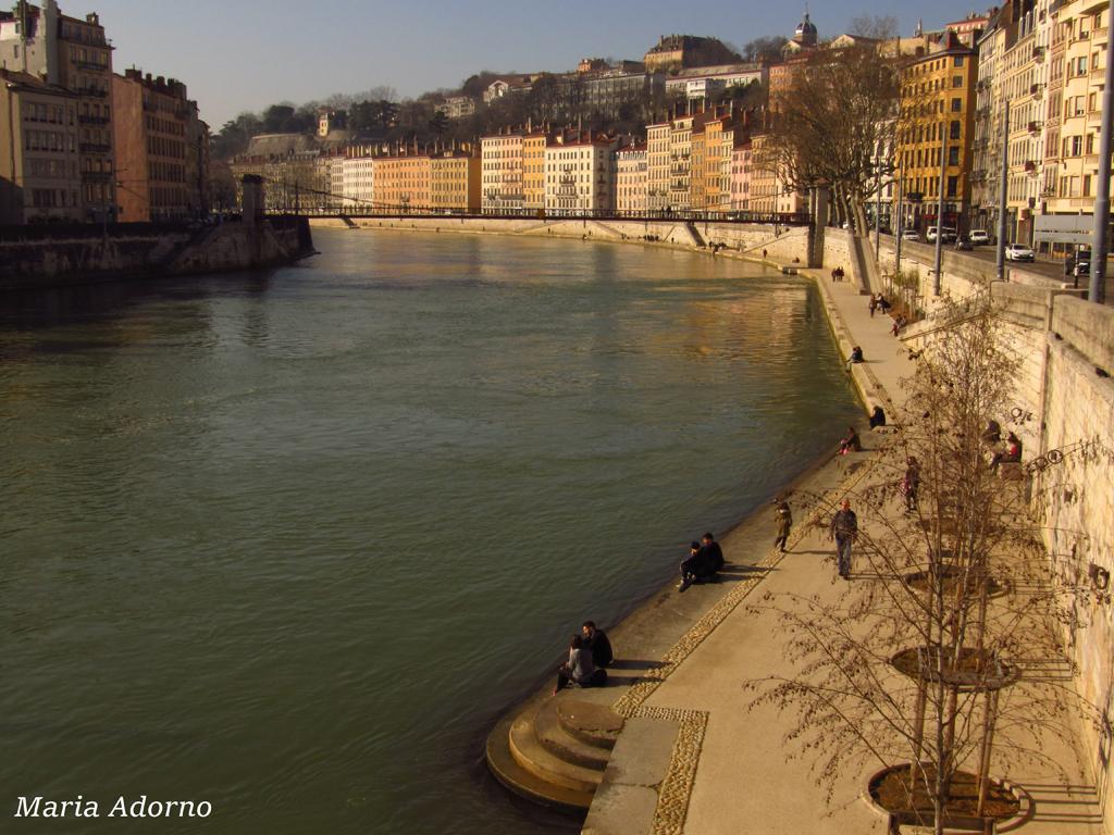 06-Lyon-quai-e-ponti