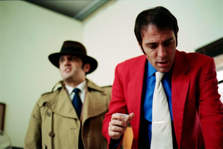 Flavio Insinna a sinistra interpreta il commissario Zenigata