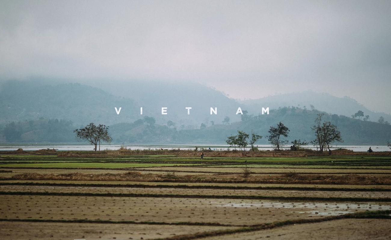 one minute in Vietnam