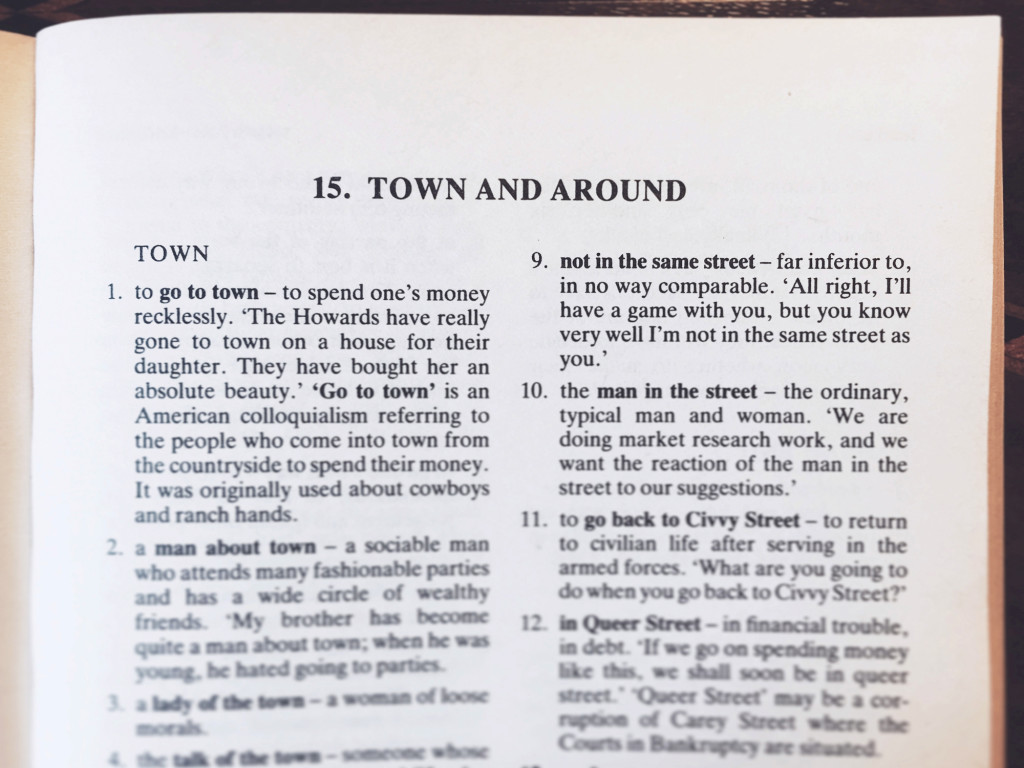 English idioms - town and around