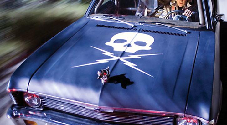 Kurt Russell, alias Stuntman Mike, alla guida della sua Chevrolet Nova a prova di morte.