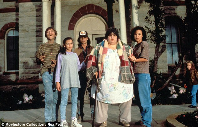 La famiglia Grape al completo: da sinistra a destra ci sono Arnie, Ellen, Gilbert, Bonnie ed Amy.
