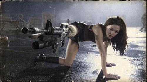 Rose McGowan, protagonista del film di Rodriguez e presente anche nella pellicola di Tarantino.