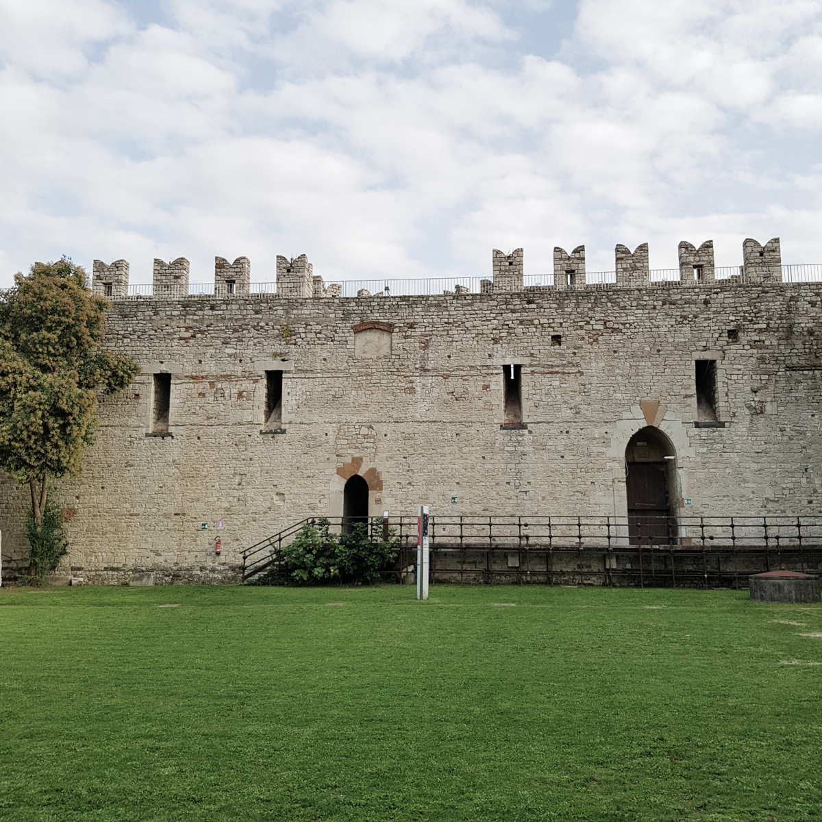 Prato-by-Style-and-Trouble-007-Castello-Imperatore