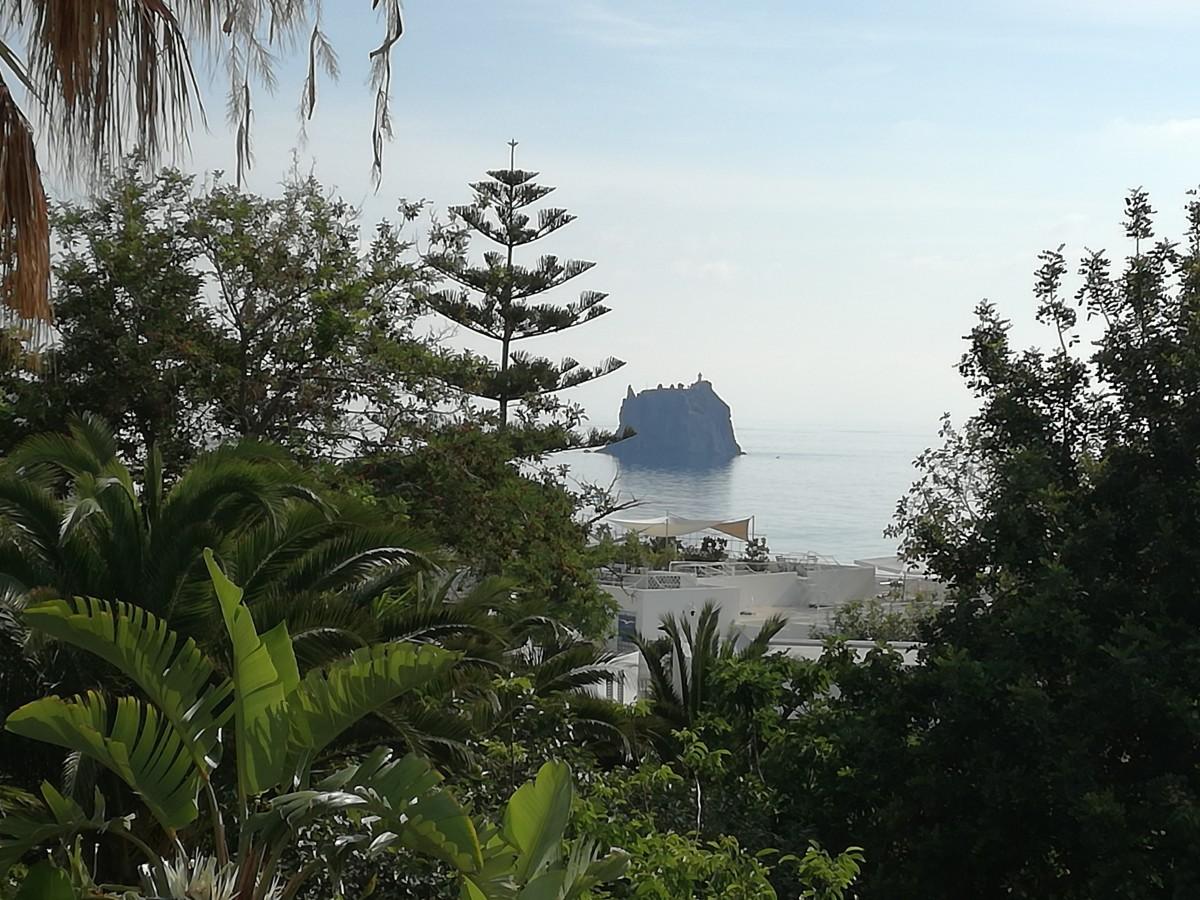 Vista su Strombolicchio