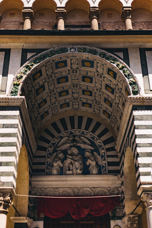 Decorazione esterna della Cattedrale di San Zeno, il Duomo di Pistoia.