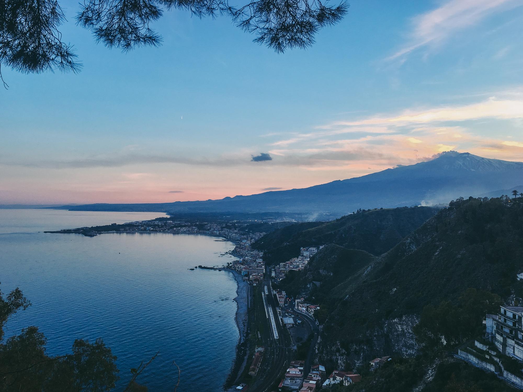 L'Etna al tramonto | photo: Stefano Mirabile